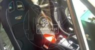 Sportowe fotele kubełkowe w Toyocie Land Cruiser 155
