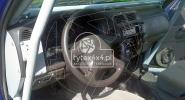 Przerobiony kokpit do Nissana Patrola Y 61 z klatką bezpieczeństwa
