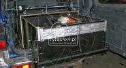 Dedykowana zabudowa z szufladą i uchwytami na przyrządy geologiczne